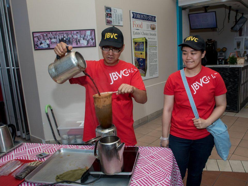 VIP pouring HK milk tea to the pot.